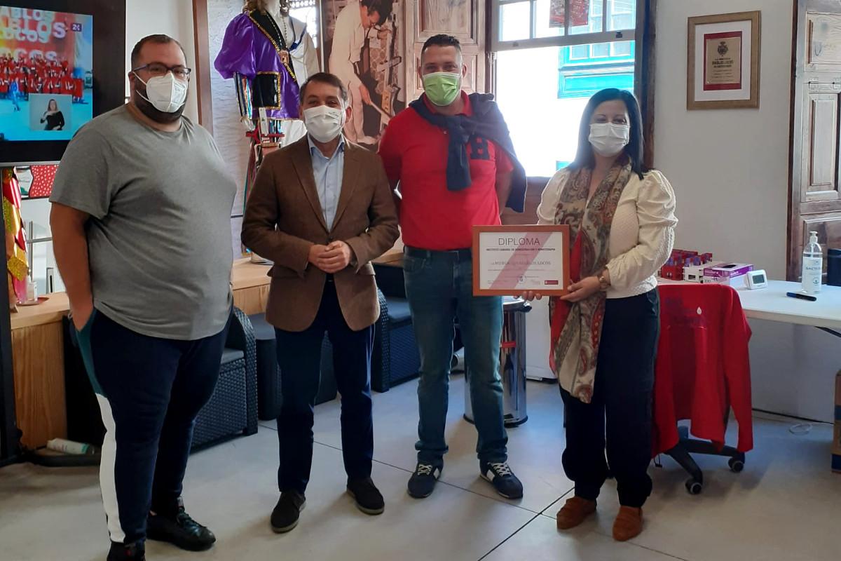 El ICHH comenzó ayer su campaña de donación con la murga Los Diablos Locos